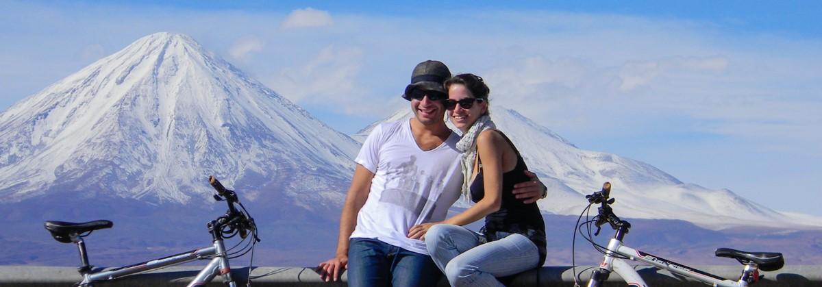 Tiago and Fernanda cycling in the Atacama desert