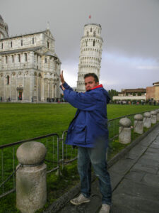 Holding the leaning tower of pisa